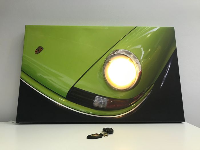 Decorative object - Porsche 911 Frame Canvas with lighted headlamps RC - 2016