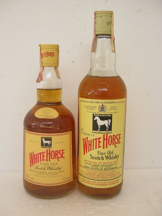 White Horse - b. 1970s, 1990s - 70cl - 75cl - 2 bottles