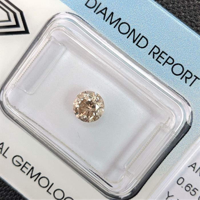 Diamante - 0.65 ct - Brillante - Brown - I2, IGI Antwerp - No Reserve Price