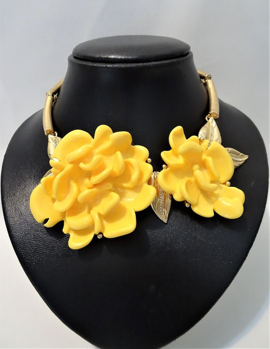 Oscar de la Renta - Gold-plated, Yellow Plastic & Clear Crystals - XL Floral Necklace