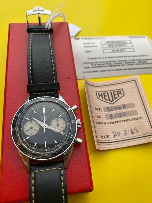 Heuer - Autavia. A stainless steel manual wind chronograph - 3646 - Unisex - 1960-1969