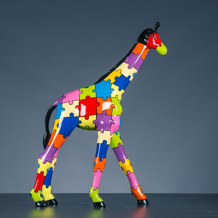 Giraffe - handpainted  - High-quality synthetic material