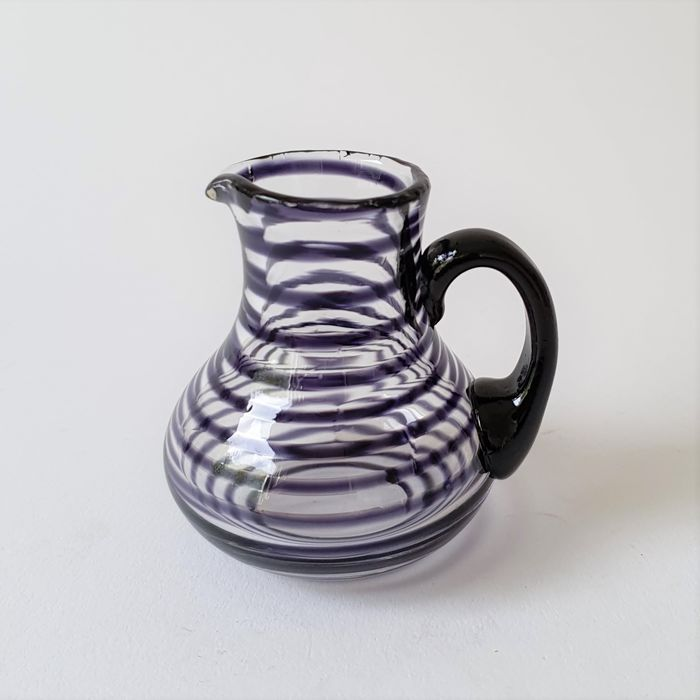 Ulrica Hydman Vallien - Kosta Boda - Miniature jug from the Artist Collection - Rare color - Glass