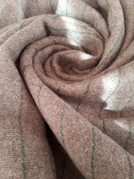 WITHOUT RESERVE PRICE Mt 2.60 x 1.50 meters - Beautiful fabric in pure new wool - Seconda metà del 20° secolo