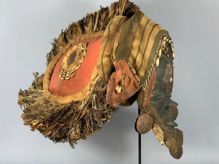 191020 Mask - Cotton, Feathers, Metal, Wood - Old Tribal used - Dan Guere - Liberia