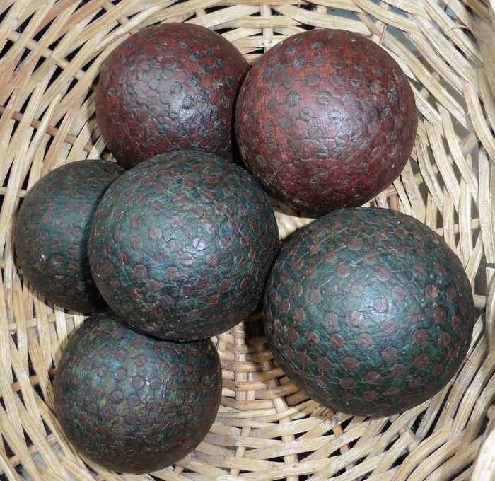 wooden boules (6) - wood with screws