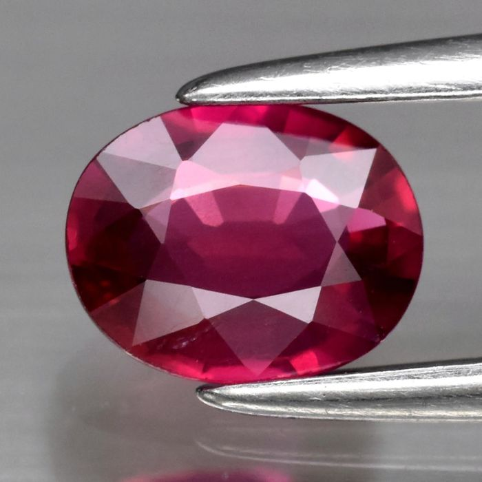 Red Ruby - 0.61 ct