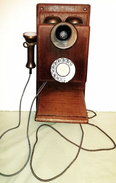 American Electric  Plain Front Wall Phone - Retro -  Is still operational  - Telefoon - Brons, Hout