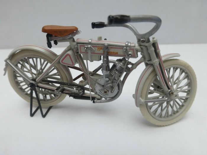 Franklin Mint - 1:24 - Harley Davidson pionier Motor - Harley 1907, with booklet and certificate of authenticity