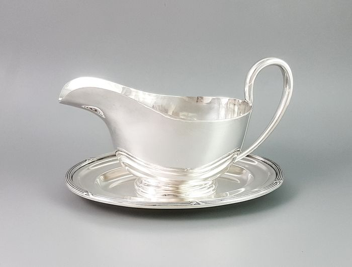 James Dixon & Sons - Sheffield - Centrepiece, Tray, Large sauce or gravy boat on matching stand (2) - Victorian - Silverplate
