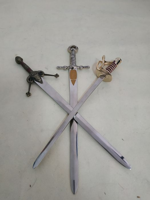 Spain - Toledo (España) - Three letter opener swords