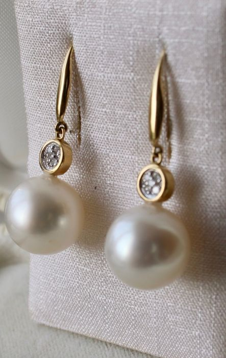 18 kt. White gold, Yellow gold - Earrings Diamonds and South Sea pearls ca. 11.8 mm