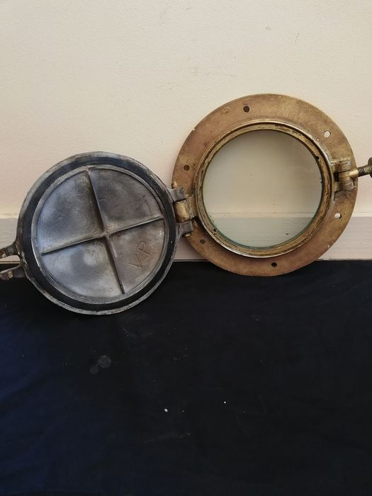 Vintage ships Porthole - bronze glass cast steel - First half 20th century