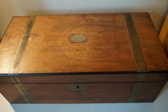 """""""To Mr James Morris from scholars attending Sabbath School as a token of respect, Kingseat 24th Jan - Mahogany brass storage box with presentation plaque"""