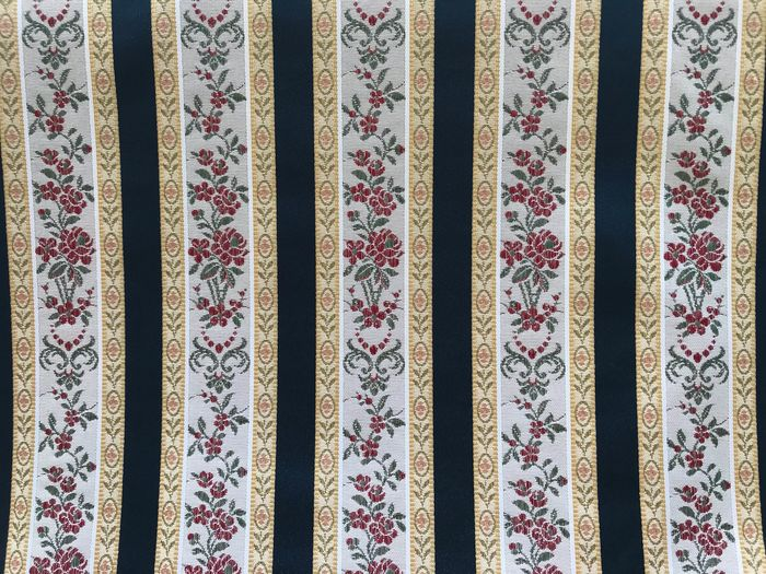 2.80 meters x 2.80 meters precious Italian damask fabric with richly decorated floral pattern - Cotton - unknown
