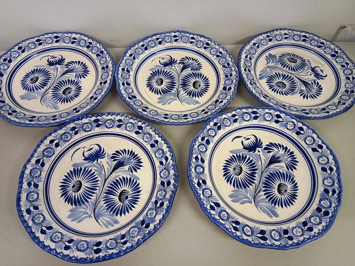 Henriot Quimper France, entierement decore main - F.5 D154 MR - Plates (5) - Earthenware