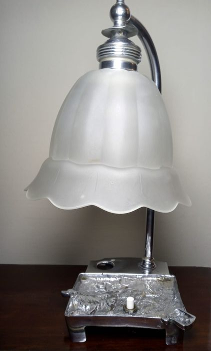 Table lamp, Lamp with ashtray and dogs depicted in Art Deco style