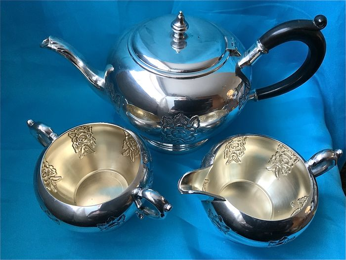 Viking Plate Canada  - Viking silver plated on copper three pieces tea set  (3) - Chapado en plata, Silver plated on copper