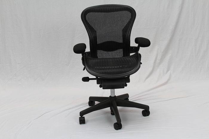 Don Chadwick & Bill Stumpf - Herman Miller - Office chair - Aeron Chair