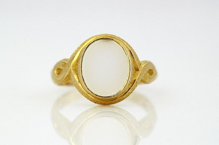 Victorian - 15 kt. Yellow gold - Ring - 3.00 ct Chalcedony