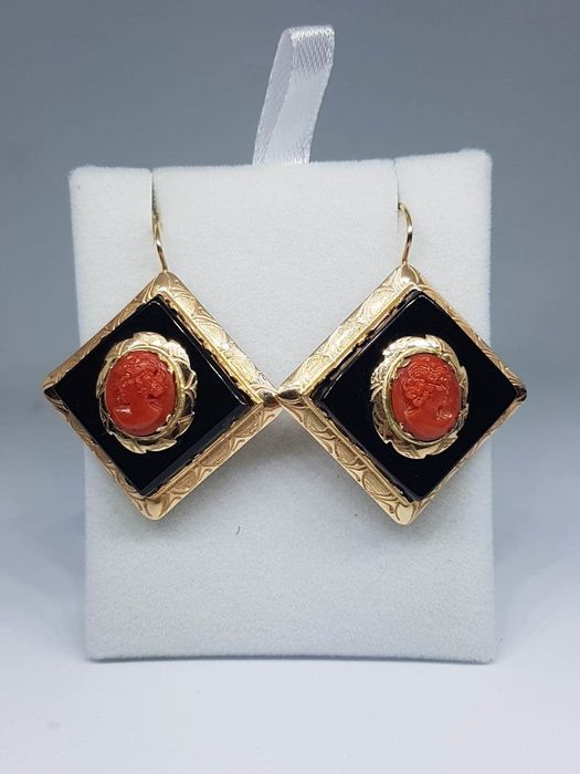 ***Low Reserve Price*** - 14 kt. Yellow gold - Earrings Coral - Onyx