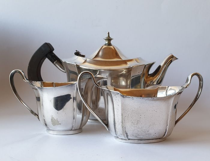 Elkington EPNS  - Art nouveau silver-plated tea set - Three parts