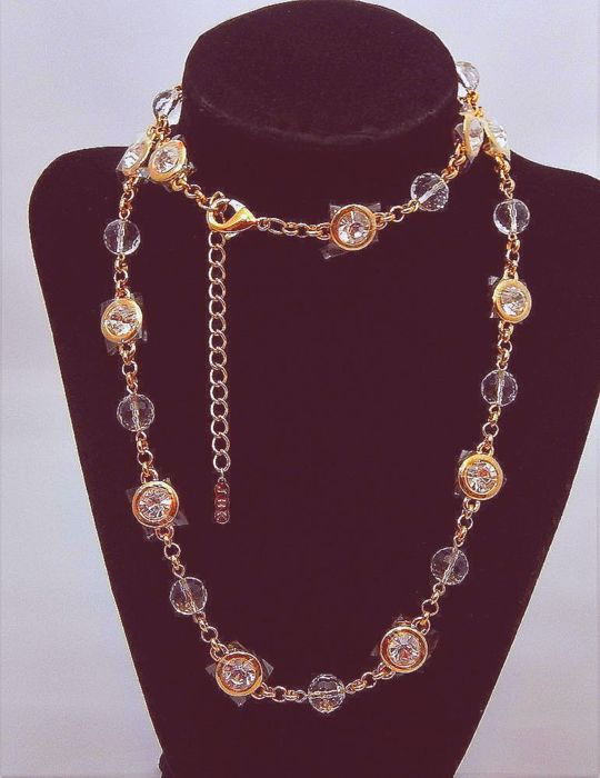 Jaqueline Onassis Kennedy, Chanel design from 1920 long faceted Ausrian crystal   Camrose & Kross - Collier
