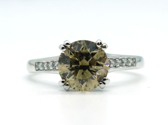 Natural Fancy Brownish Yellow - 14 kt. White gold - Ring - Clarity enhanced 2.31 ct Diamond - Diamond