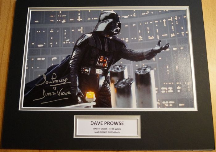 Star Wars - Darth Vader Dave Prowse Jedi scene hand signed Photo Display - Autograph, Photo