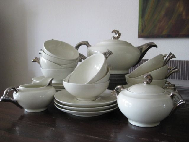 Very Complete Art Deco Tea Service, marked. - Porcelain