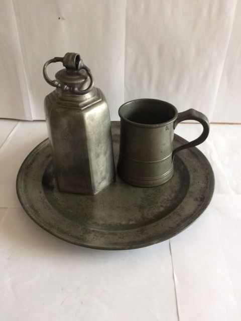 3 antique pewter objects - Pewter/Tin