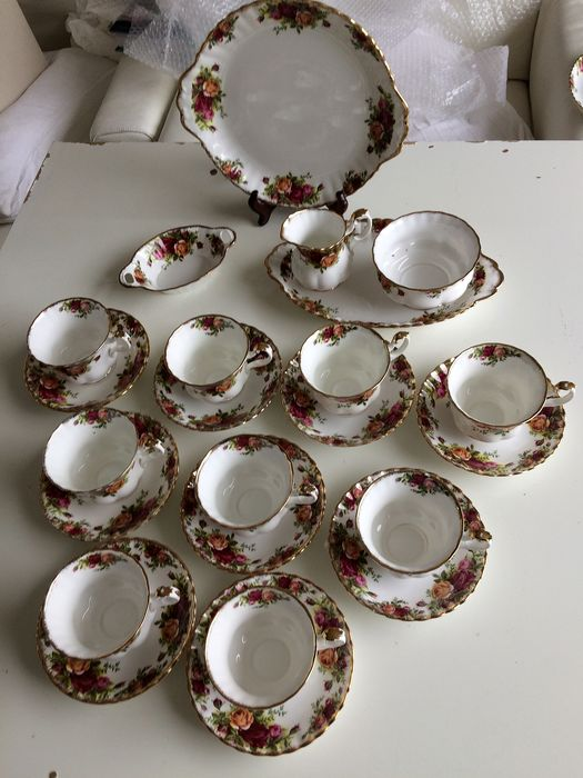 Royal Albert - Een koffieservies van romantisch Old Country Rose (23) - Porselein