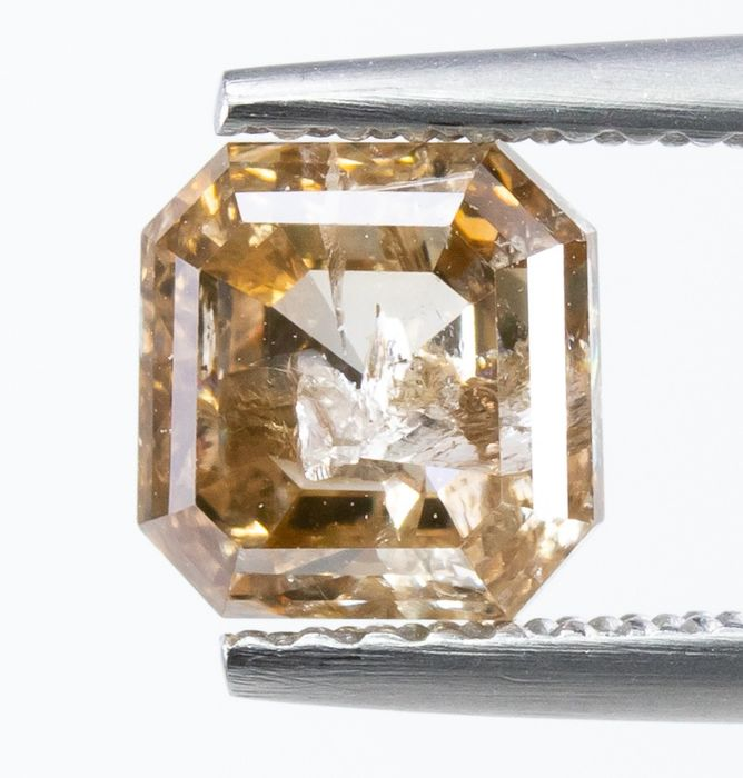 Diamond - 1.88 ct - Natural Fancy Light Brown - I1  *NO RESERVE*