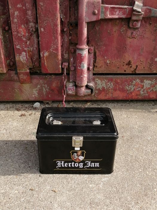 Hertog Jan - Fall (1) - Metall
