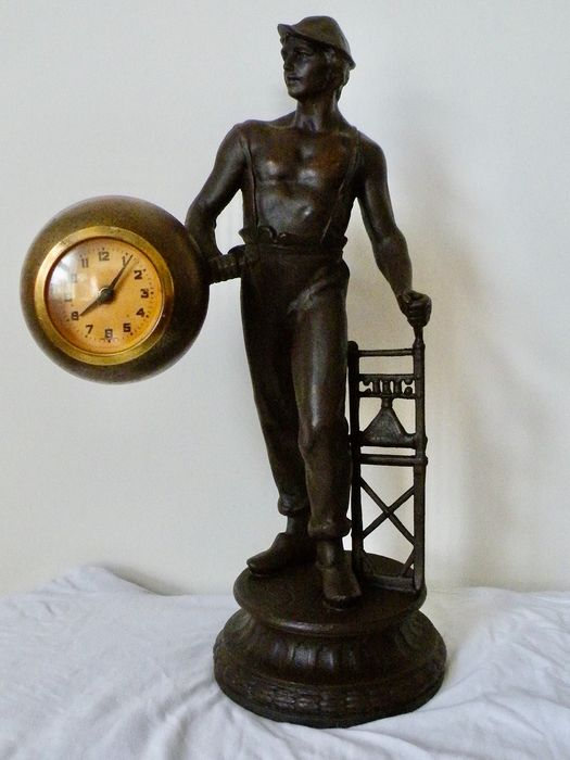 Clock, Sculpture, Mine worker with Clock