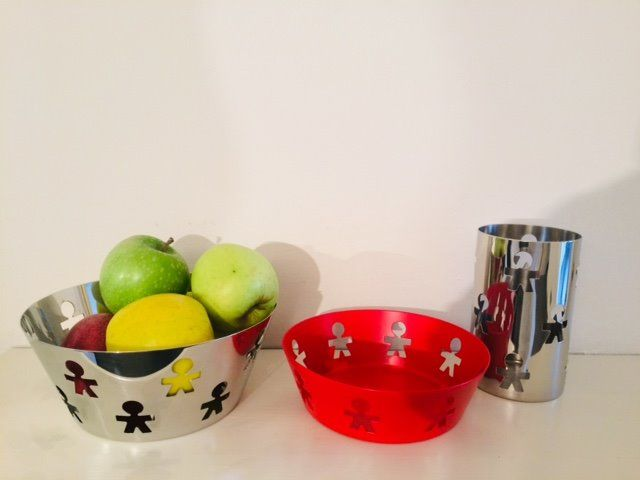 Stefano Giovannoni and Guido Venturini / King Kong - Alessi - stainless steel table baskets (3)