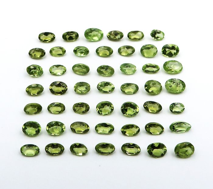 48 pcs Green Peridot - 12.90 ct
