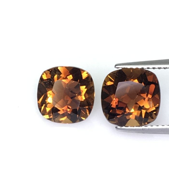 2 pcs Brown Topaz - 7.63 ct