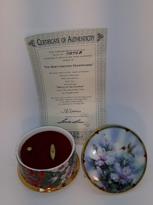 Ardleigh Elliott - Music box, ''The Anna's Hummingbird'' - Porcelain, Heirloom