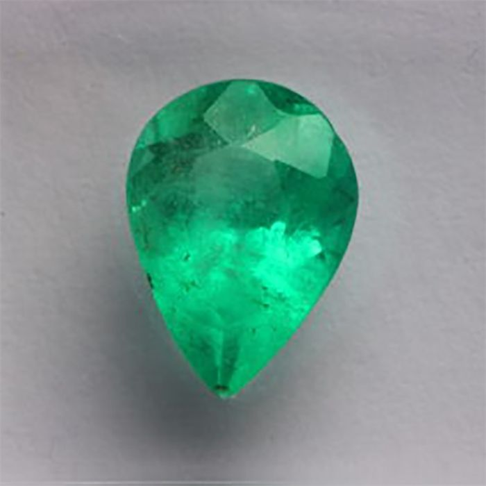 Groen Emerald- - 1.39 ct
