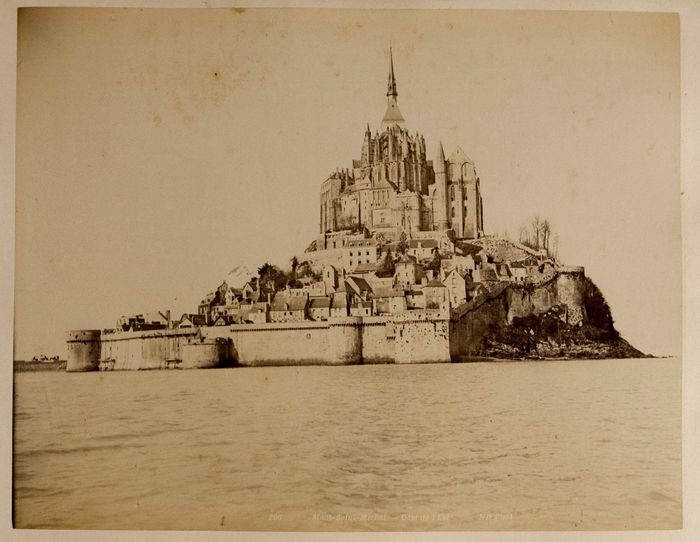 Neurdein Frères & others - 25 albumen prints of places in France