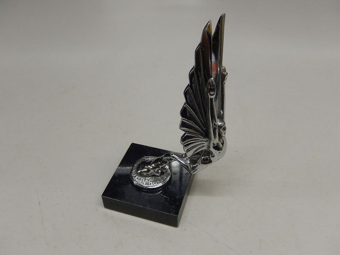 Emblemă/ Mascotă - Heavy Chrome Winged Male Car Mascot Hood Ornament Mounted on Marble - 1980