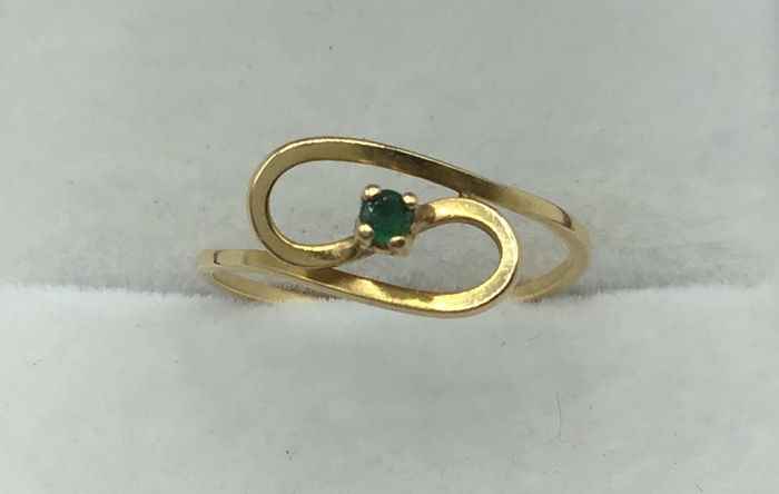 Yellow gold - Ring Emerald