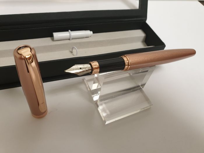 Online  - Fountain pen - Collection of 1