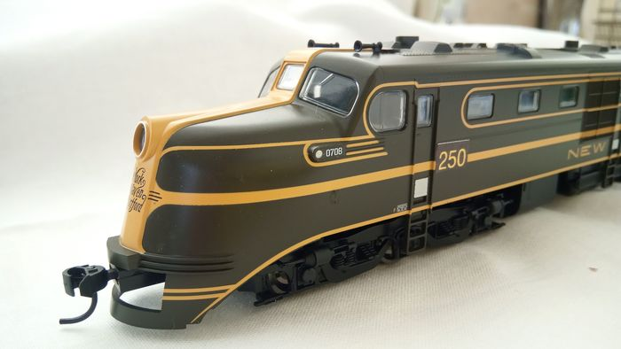 Walthers H0 - 910-9102 - Diesellocomotief - DL-109 - new heaven