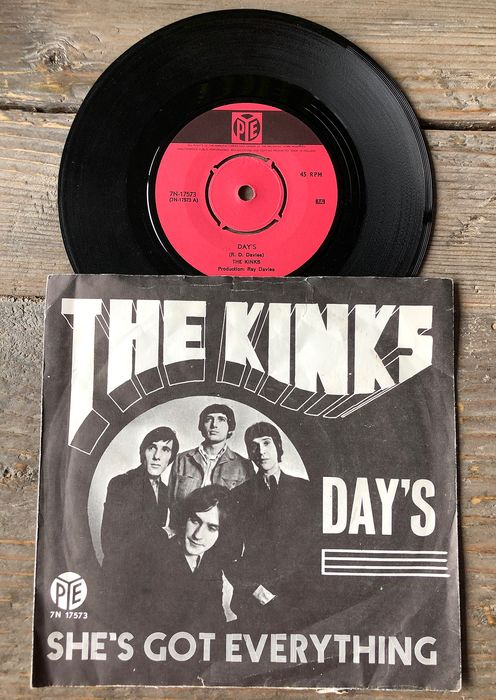 Bob Dylan, Kinks, Led Zeppelin, Little Richard, Specials, Three Dog Night - Multiple artists - Mostly 70's singles - Multiple titles - 45 rpm Single - 1967/1980