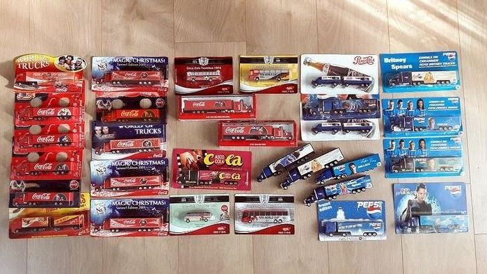 Grell, High Speed - 1:87 - Coca-Cola and Pepsi-Cola Lot with 30 rare advertising trucks, limited edition Christmas trucks and buses