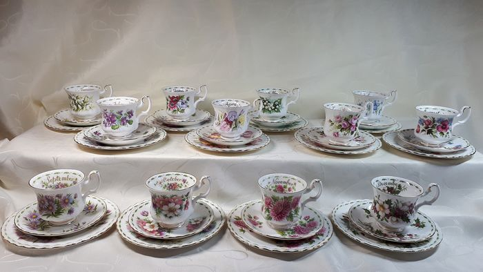 Flowers Off  The Month - Royal Albert - Servies (36) - Romantisch - Porselein