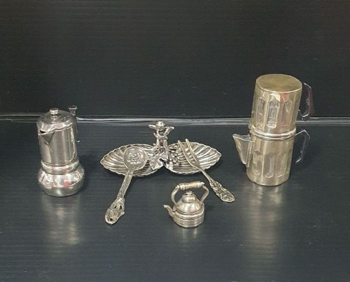 Basket, Coffee pot, Kettle, Silver miniature, Spoon (5) - .800 silver, .925 silver - Italy - Second half 20th century