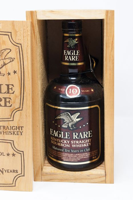 Eagle Rare 10 years old wooden box - b. 1980s - 75cl